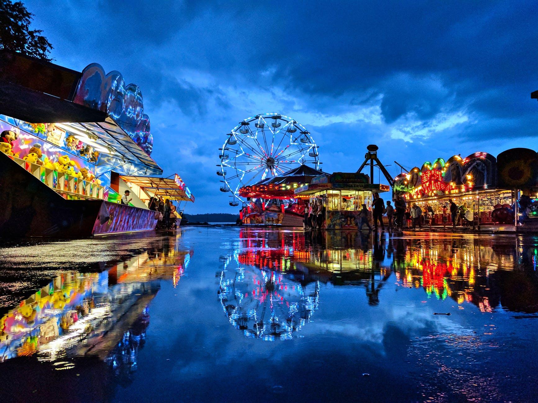 blue ferries wheel