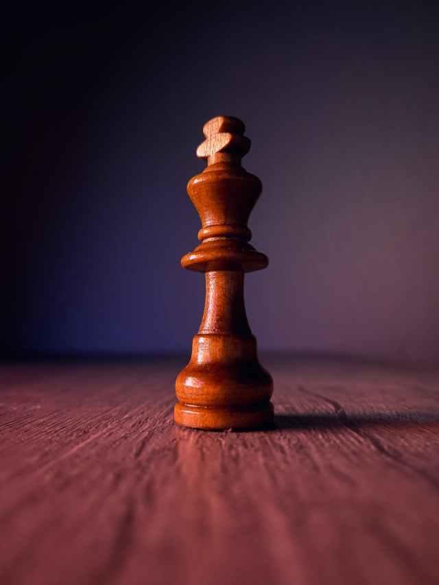 wood dark game king